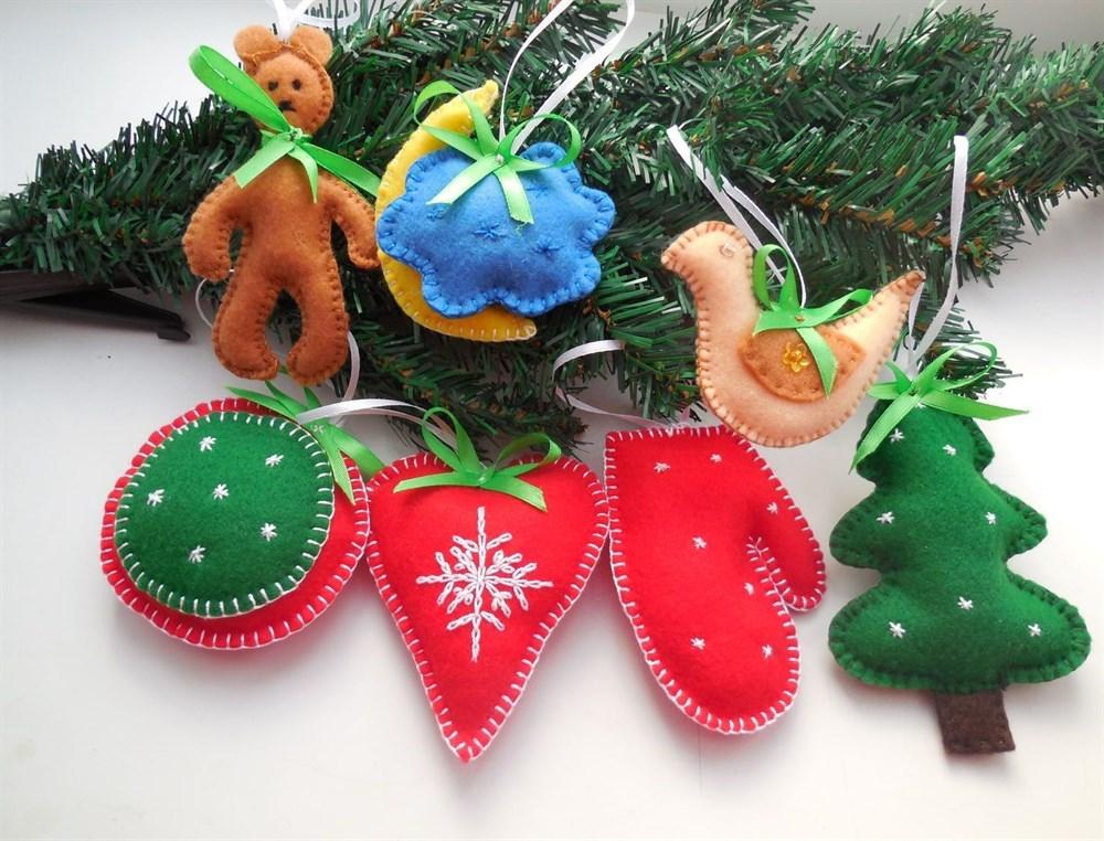 Новогодние игрушки из фетра(НИФ03)