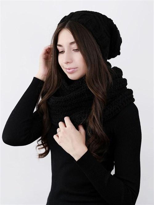 Шапка женская удлиненная, вязка елочкой, черный