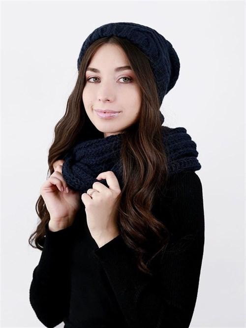 Шапка женская удлиненная, вязка елочкой + снуд крупной вязки, темно-синий